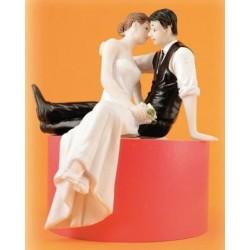 Svadobná figúrka sediaci pár